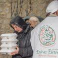 A Krisna-hívők több ezer adag ételt és élelmiszercsomagot osztanak szét az adventi időszak alatt az országban. Nem csupán az ételek jó minőségét, hanem az állandóságot is fontos szempontnak tartják, a […]