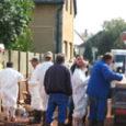 Krisna-hívők a hétfőn, Kolontáron történt katasztrófát követően folyamatosan nyomon követték a kárelhárítás eseményeit. Alapítványunk a október 6-án előkészült a katasztrófa-övezetben dolgozó rászorulóknak történő, meleg étel előállítására és kiszállítására, csütörtöktől pedig […]