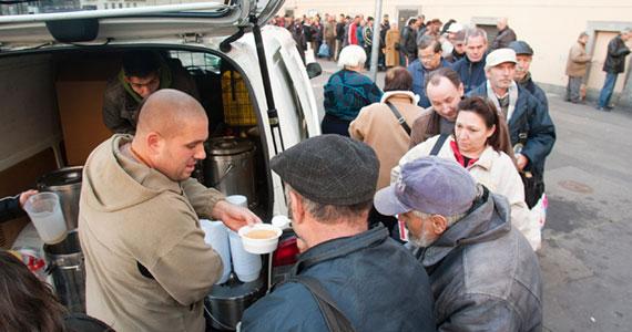 A Krisna-hívők több mint 20 éve szolgálják a társadalom elesettjeit, ételek ingyenes osztása útján. Karácsonykor rendezett akcióink immár az egész országra kiterjednek, de természetesen a fővárosban talál gazdára a legtöbb […]