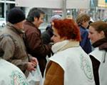 Budapesten december 15-én egy Fővárosi Önkormányzat által fenntartott gyermekotthon 60 lakója számára szervezünk étel- és játékosztással egybekötött kulturális délutánt. December 17-én az óbudai családsegítő központ által javasolt családok számára 500 […]