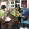 """A """"Játékot minden gyermeknek"""" program keretében alapítványunk játék-, tanszer- és édességosztással egybekötött programot rendezett egy Havanna lakótelepen működő oktatási intézmény fogyatékkal élő gyermekei részére.   Évek óta hagyománnyá vált, […]"""