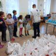 """Idén már harmadszorra akciózott az Ételt az Életért """"Mint egy falat kenyér"""" programja Miskolcon. Az iskolakezdést segítő akcióval közel 200 embernek sikerült támogatást nyújtani.Az élelmiszercsomagok, amelyekben tartós alapanyagok, kukoricapehely, gyümölcs […]"""