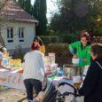"""A """"Mint egy falat kenyér"""" Program keretében ismét 300 adag meleg ebédet vittünk Veszprémbe és Tapolcára a rászoruló családoknak. Az Egymásra Utalva Alapítvány kedves segítségének köszönhetően pedig lisztet, olajat, cukrot […]"""